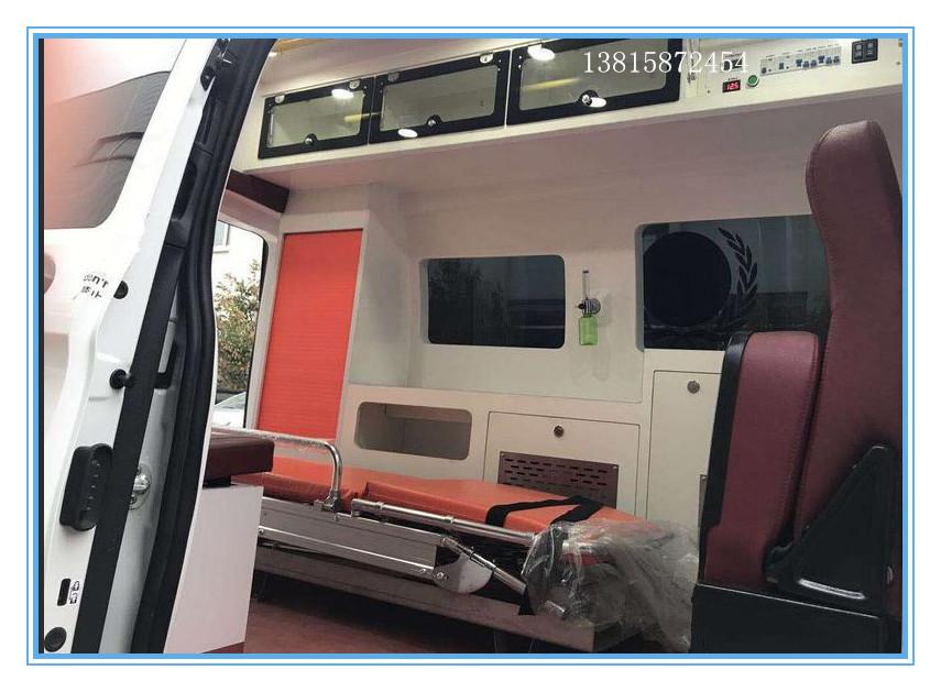 奔馳重癥救護車3.jpg
